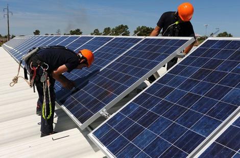八一八:绿色能源供电系统的优点有哪些?