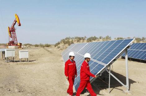 华通远航太阳能供电系统解决石油天然气区监控难题