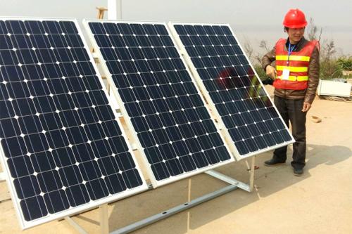 援建牙买加高速太阳能供电项目——华通远航